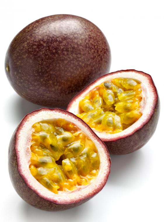 whole-and-cut-passion-fruit